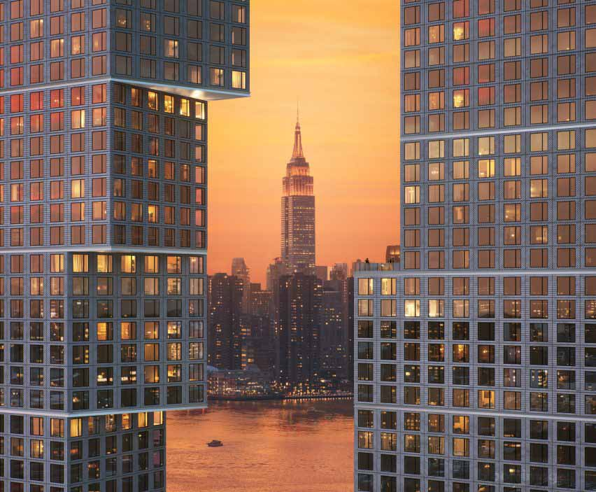 Линия горизонта Манхэттена видна через башни на площадке Greenpoint Landing