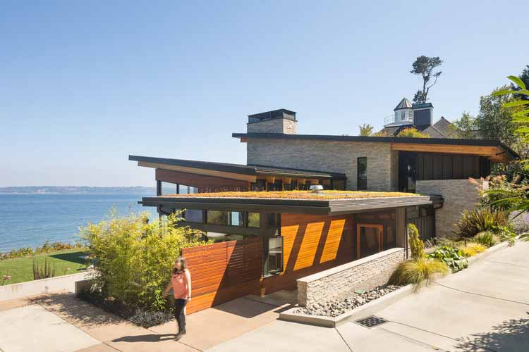 Эскейп-хаус с видом на море / Коутс Дизайн: Архитектура + Интерьер | Архитекторы Сиэтла, © Lara Swimmer
