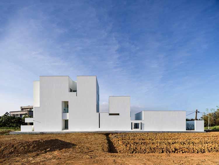 Дом LN / HO + HOU студия архитекторов, © C.K.L