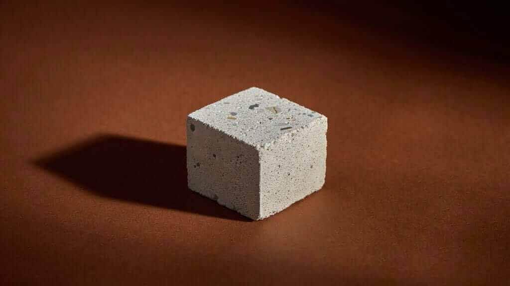 «Одна тонна оливинового песка может поглощать до одной тонны CO2»