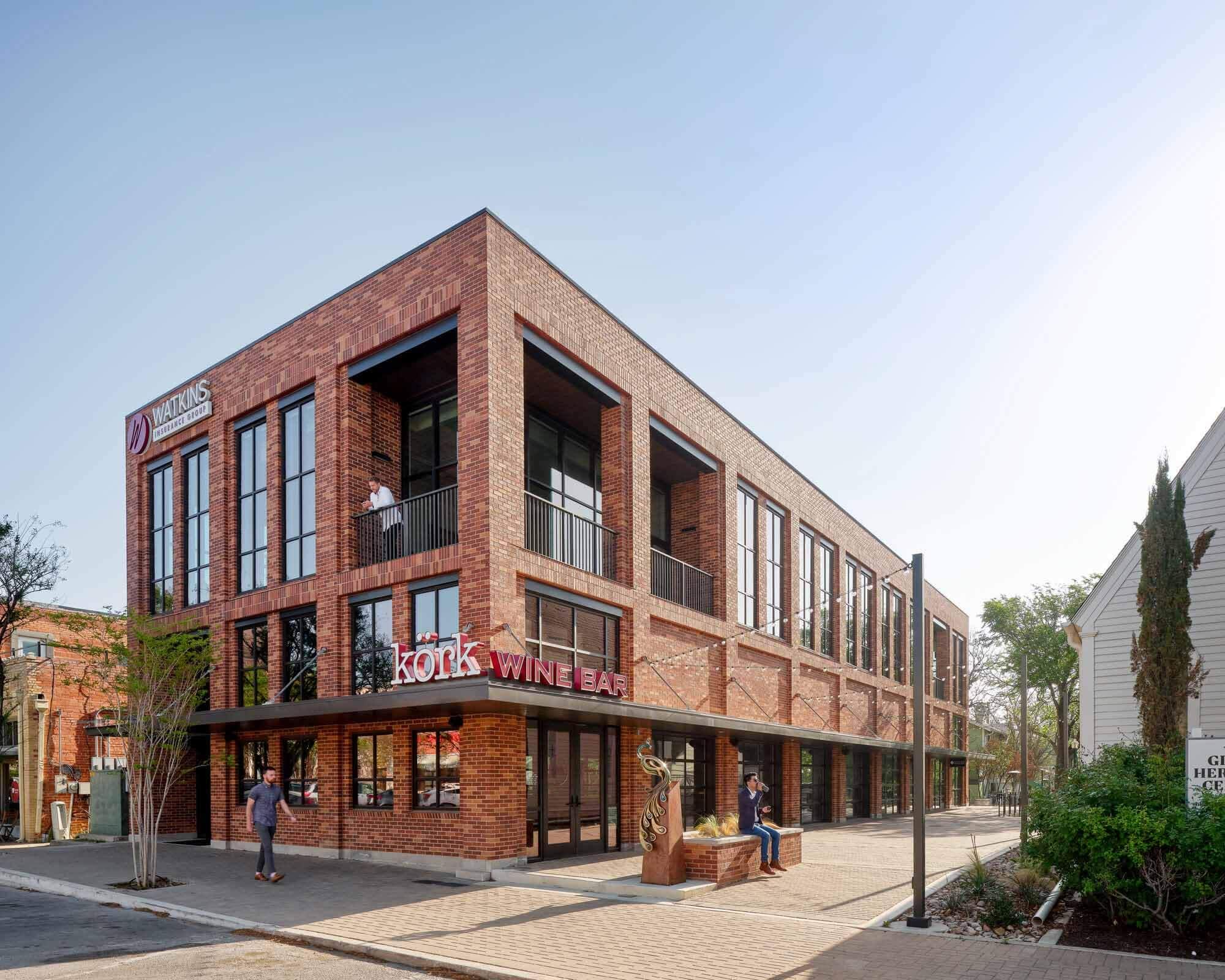 Страховое здание Watkins / Wang Architects