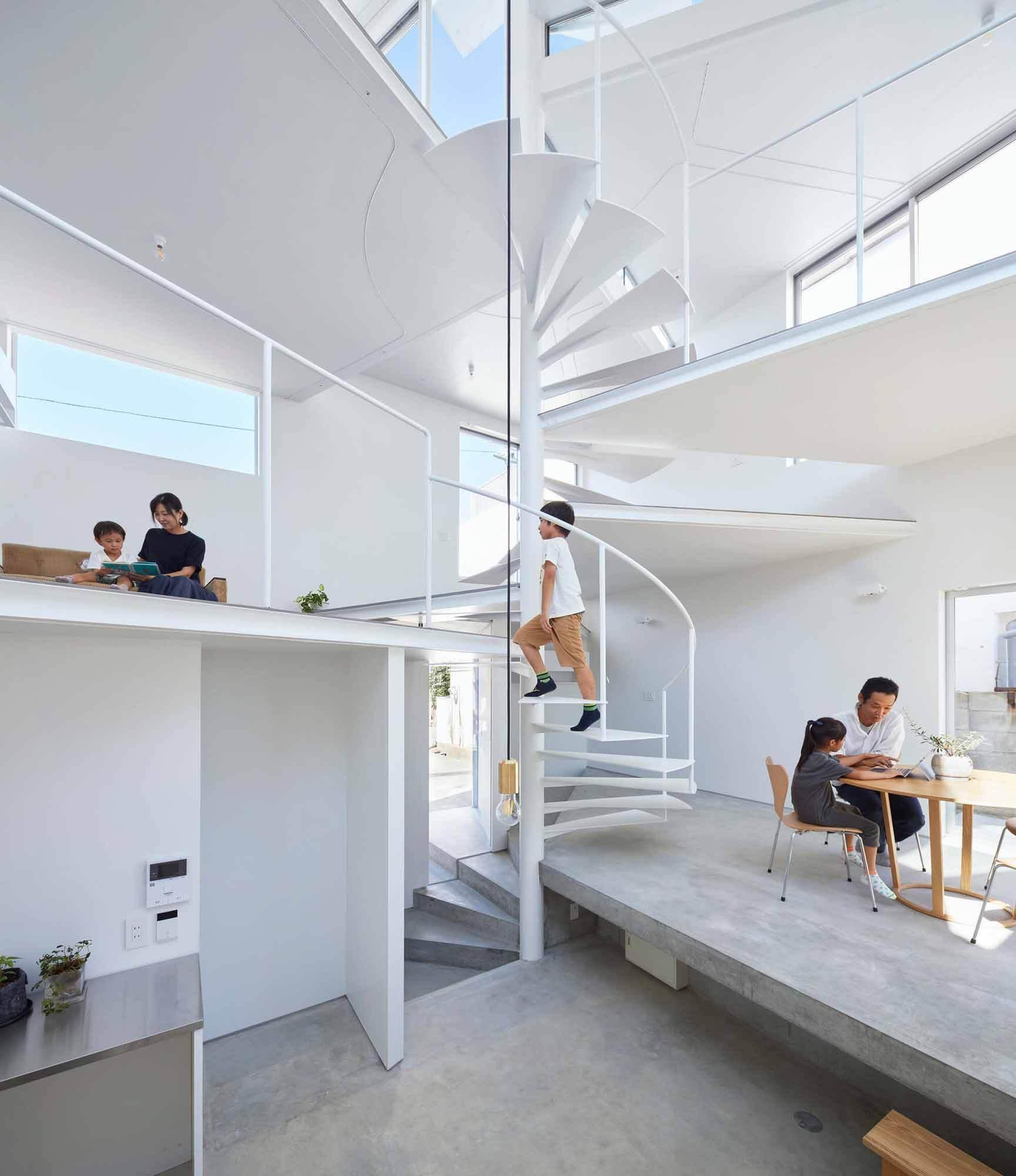 Дом в Гошикияме / Tomohiro Hata Architect and Associates
