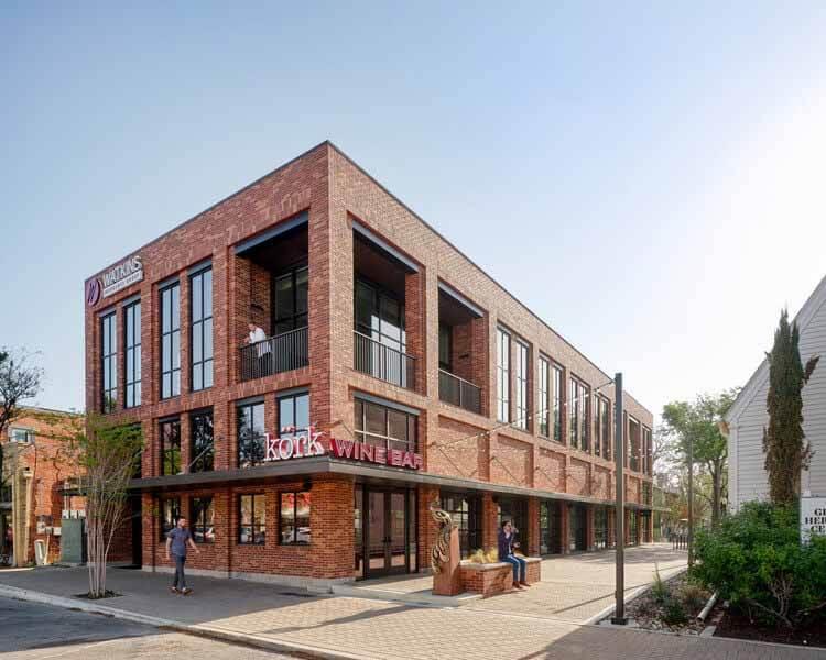 Здание страховой компании Watkins / Wang Architects, © Leonid Furmansky