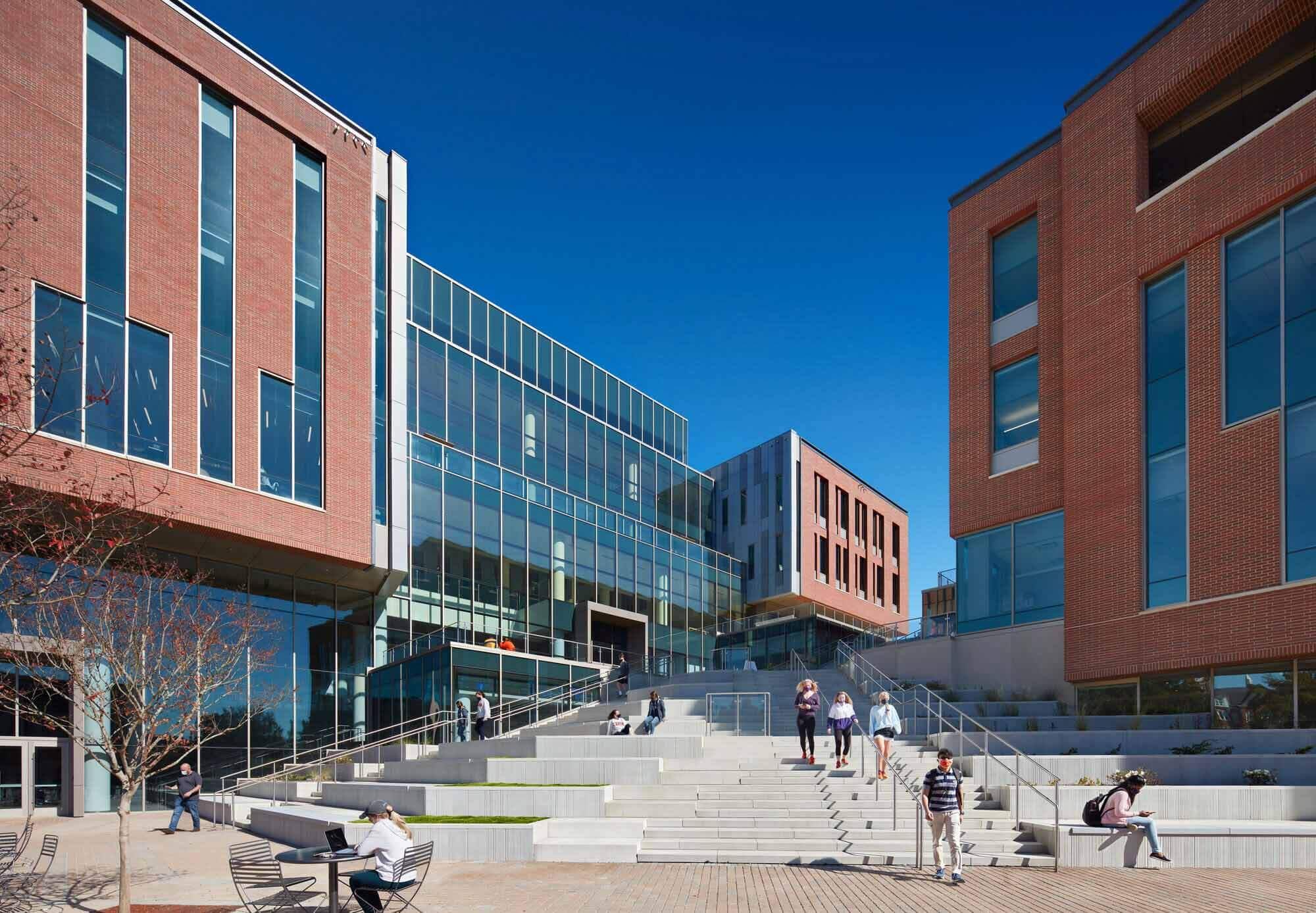 Университет Клемсона, Колледж бизнеса Уилбура О. и Энн Пауэрс / L3SP + LMN Architects
