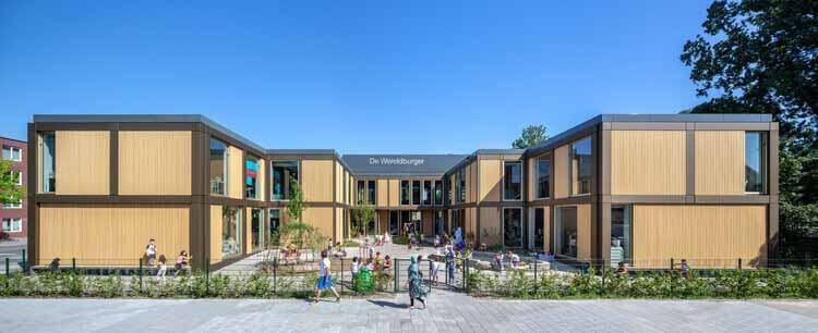 Амстердамская начальная школа De Wereldburger / Moke Architecten, © Thijs Wolzak