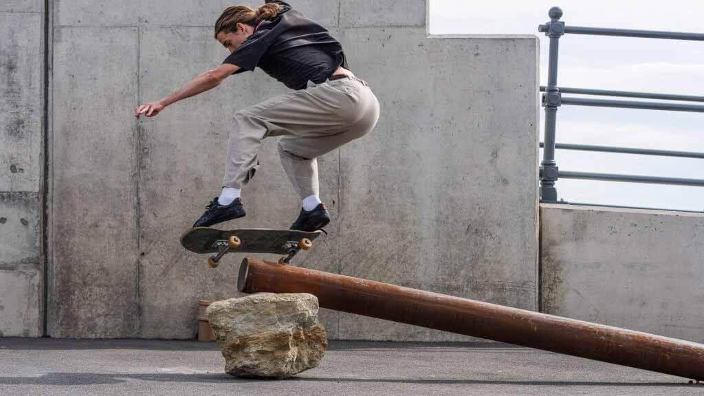 Assemble создает «фигурные скульптуры» для Триеннале Фолкстона 2021 г.