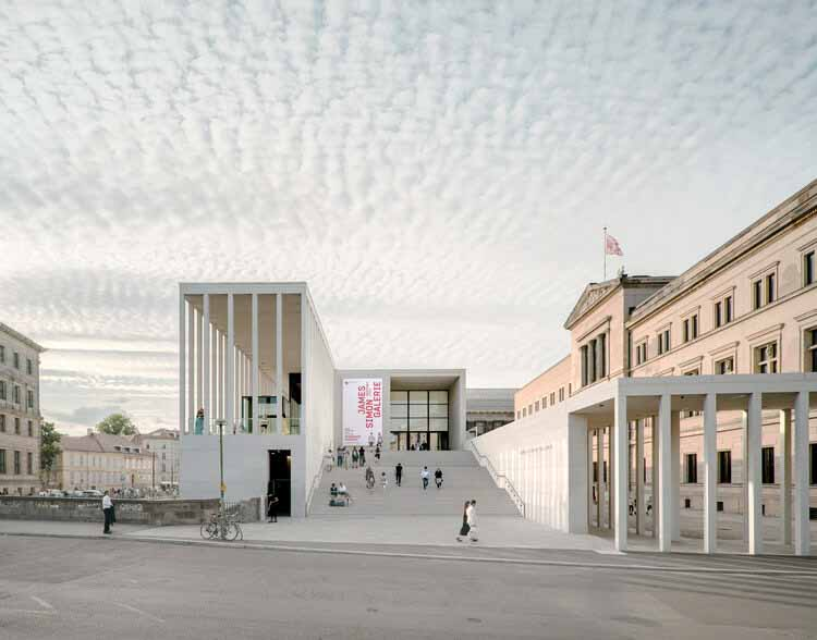 RIBA объявляет о 16 проектах-победителях конкурса RIBA International Awards for Excellence 2021, James Simon Galerie / DCA Berlin.  Изображение © Саймон Менгес