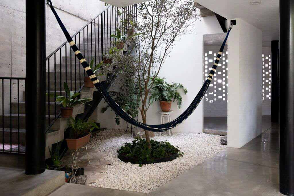 Бетонный дом от Gestalt Associates основан на колониальной архитектуре