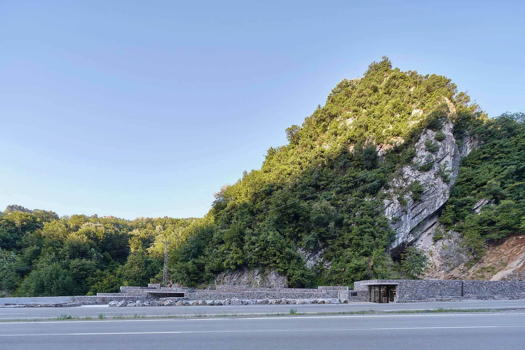 Центр посетителей пещер Зонгулдак / Архитектурный проект Ялина