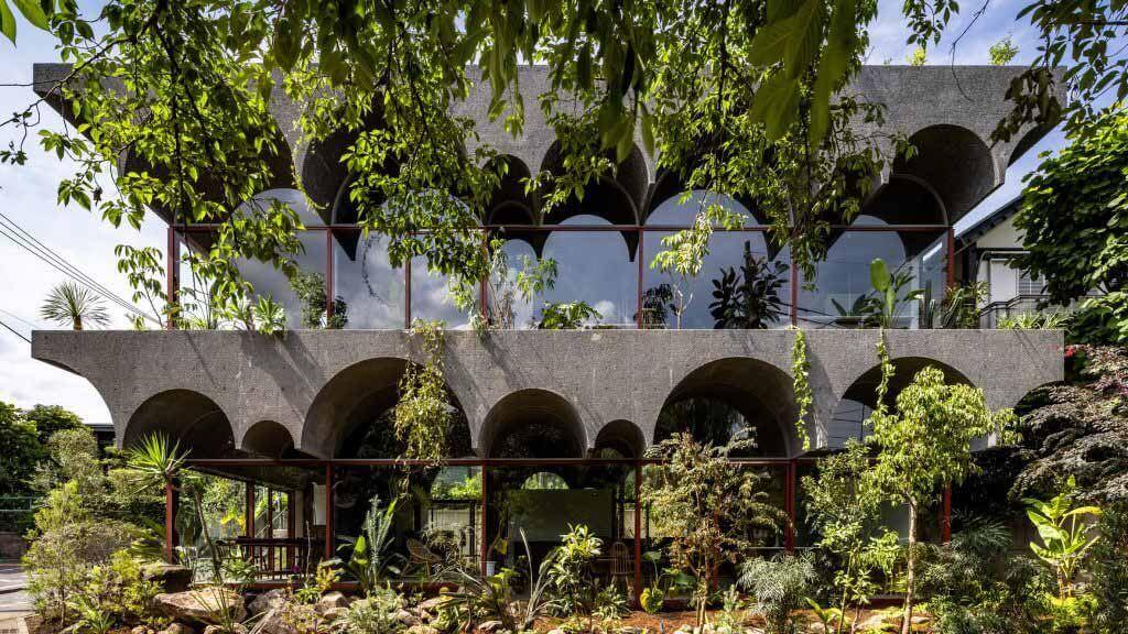 Киёаки Такеда спроектировал дом для людей и растений