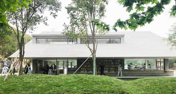 Сиань Гаосинь № 6 Средняя школа / Стеновые архитекторы XAUAT, Глубокие карнизы с садами.  Изображение © Руи Ву