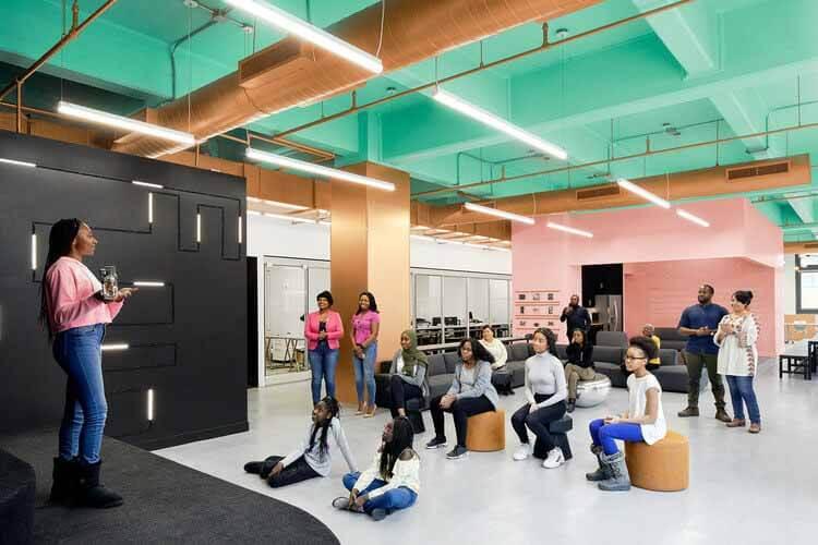 Кодекс чернокожих девушек: Датчанин Курани создает техническую лабораторию для молодых женщин в Нью-Йорке, © Аарон Томпсон