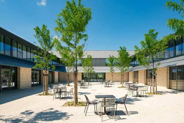 Офисное здание Реми Мартен / INCA Architectes, © Franck Brouillet
