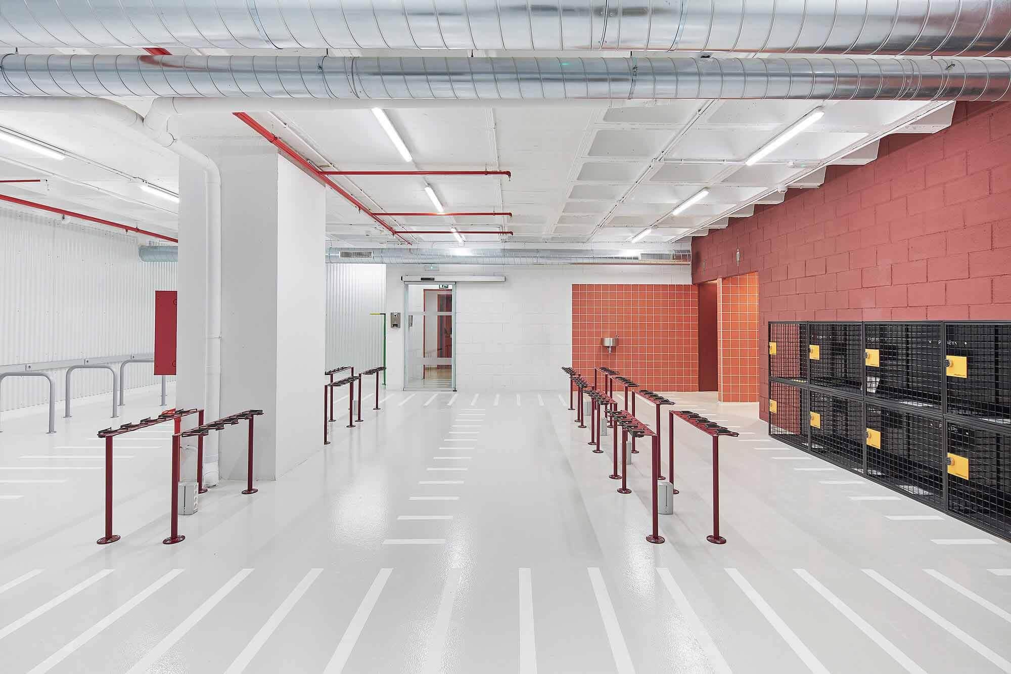Парковка для велосипедов и электросамокатов / м2 arquitectas
