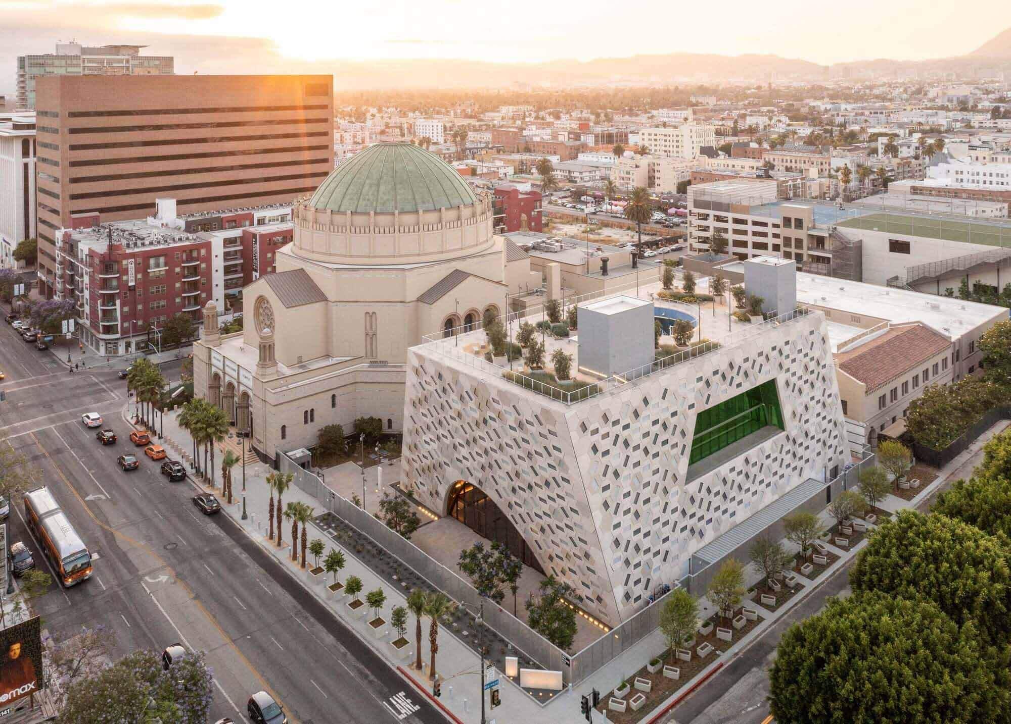 Павильон Одри Ирмас, первое культурное здание OMA Нью-Йорка в Калифорнии, близится к завершению