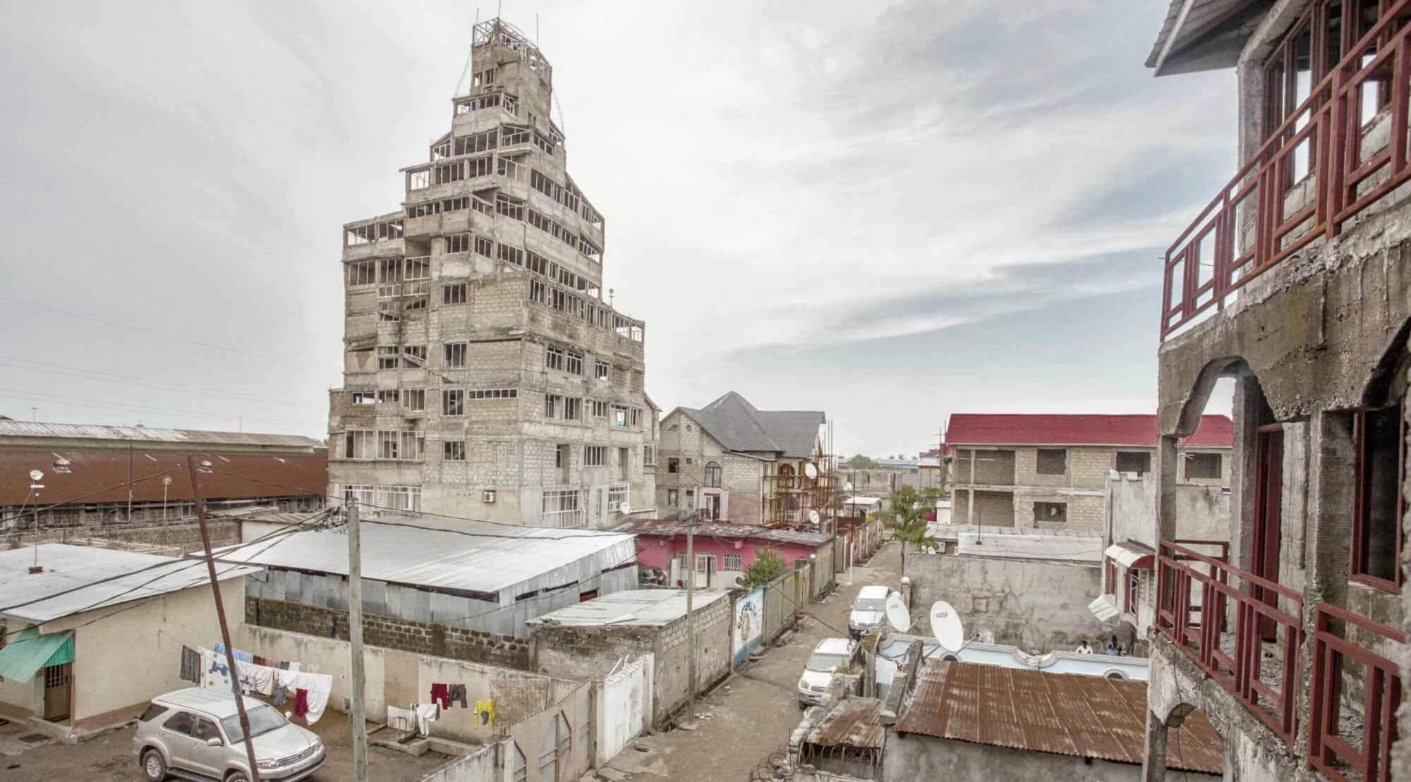 Путеводитель по архитектуре Африки к югу от Сахары: изучение архитектуры Банги и Киншасы