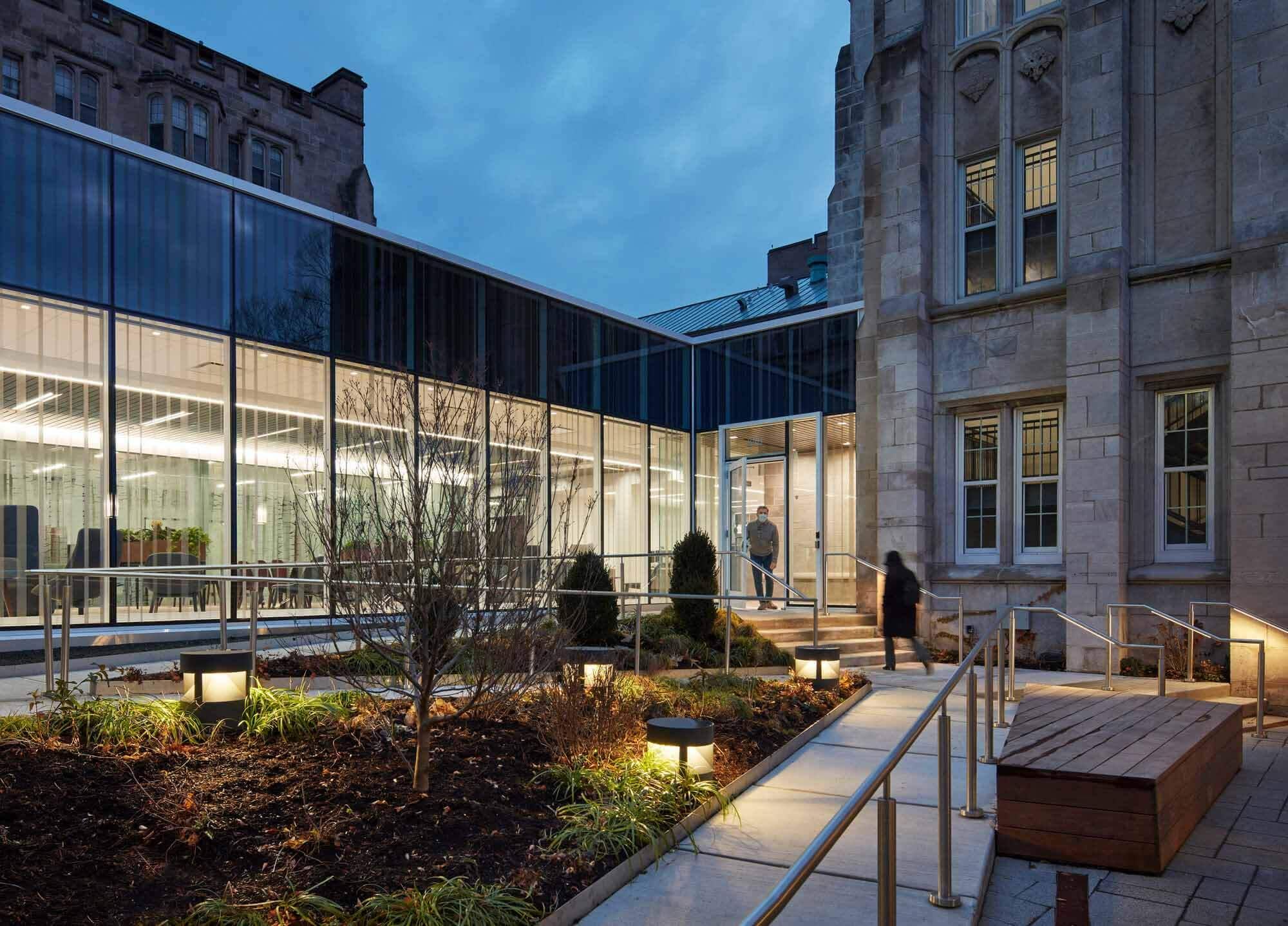 Студенческий оздоровительный центр Чикагского университета / Wight & Company