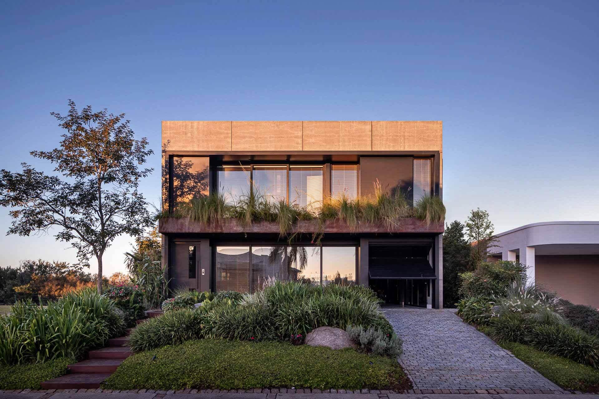 F35 House / Projetebem Arquitetura