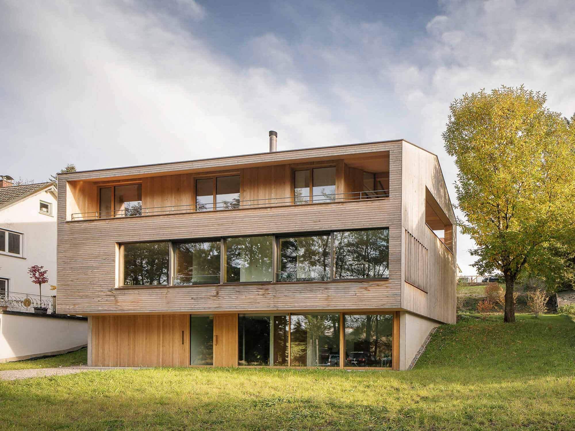 Дом П / Дитрих    Untertrifaller Architekten