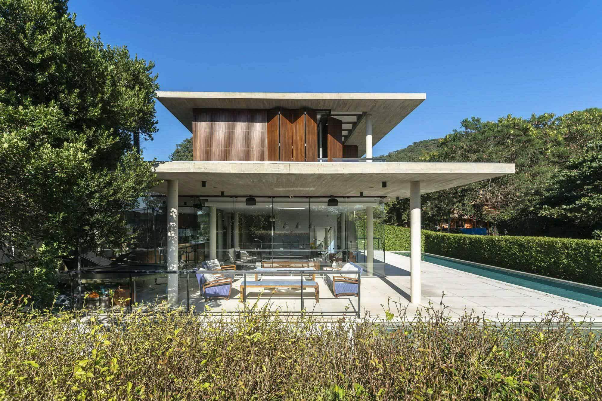 Porto da Lagoa House / Marchetti Bonetti + Arquitetos Associados