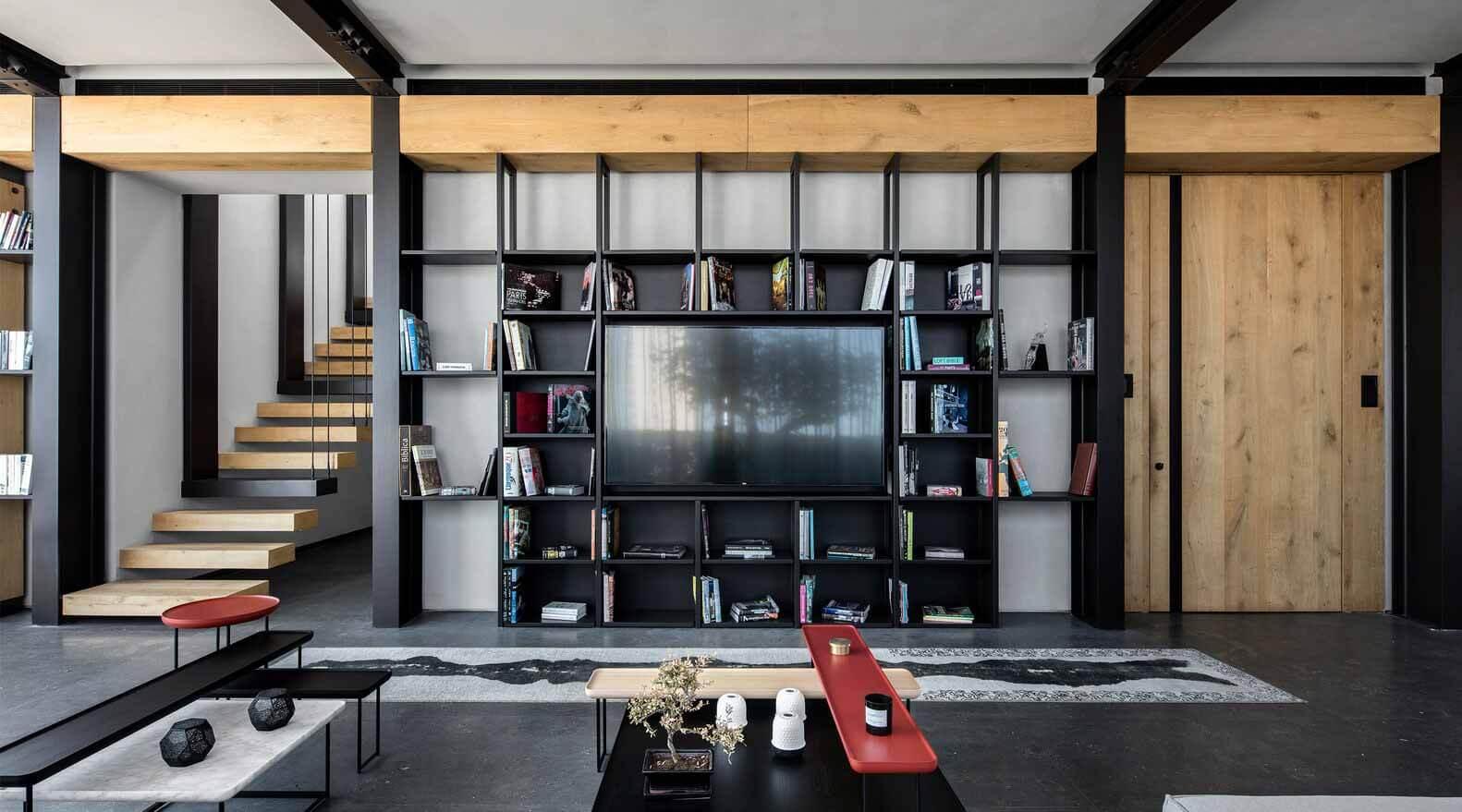 Как далеко должен быть диван от телевизора?