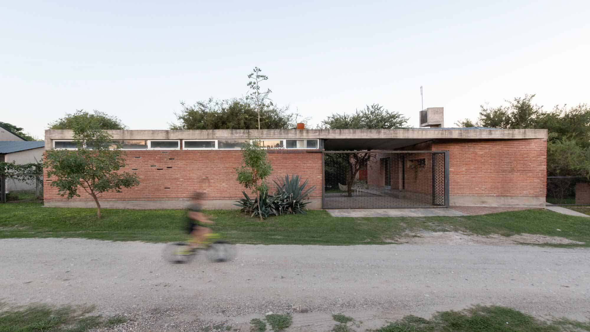 Дом — Мастерская / Barq's taller de arquitectura