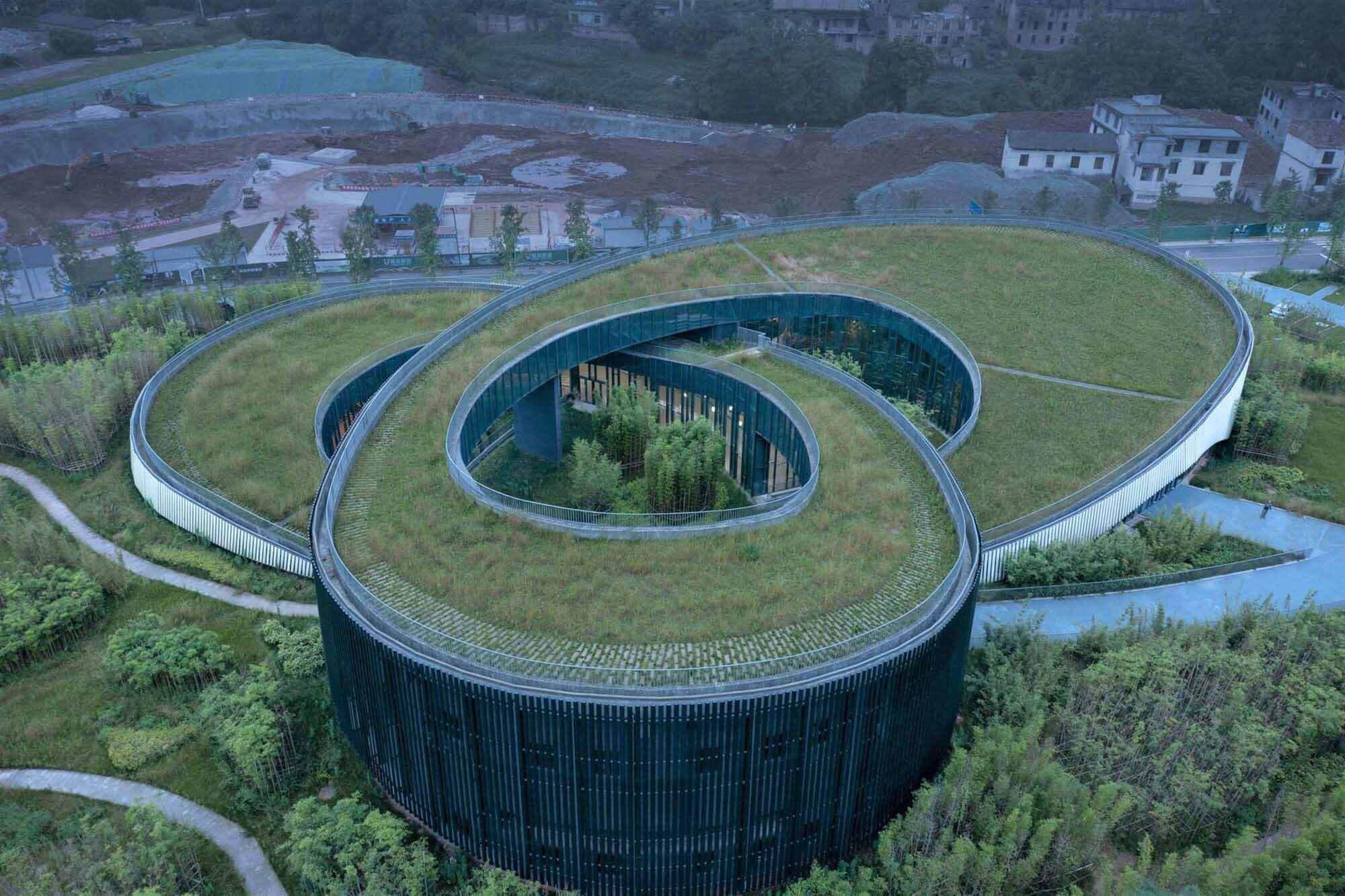 Национальный парк гигантской панды Научно-образовательный центр Яань / Институт проектирования и исследований архитектуры юго-запада Китая