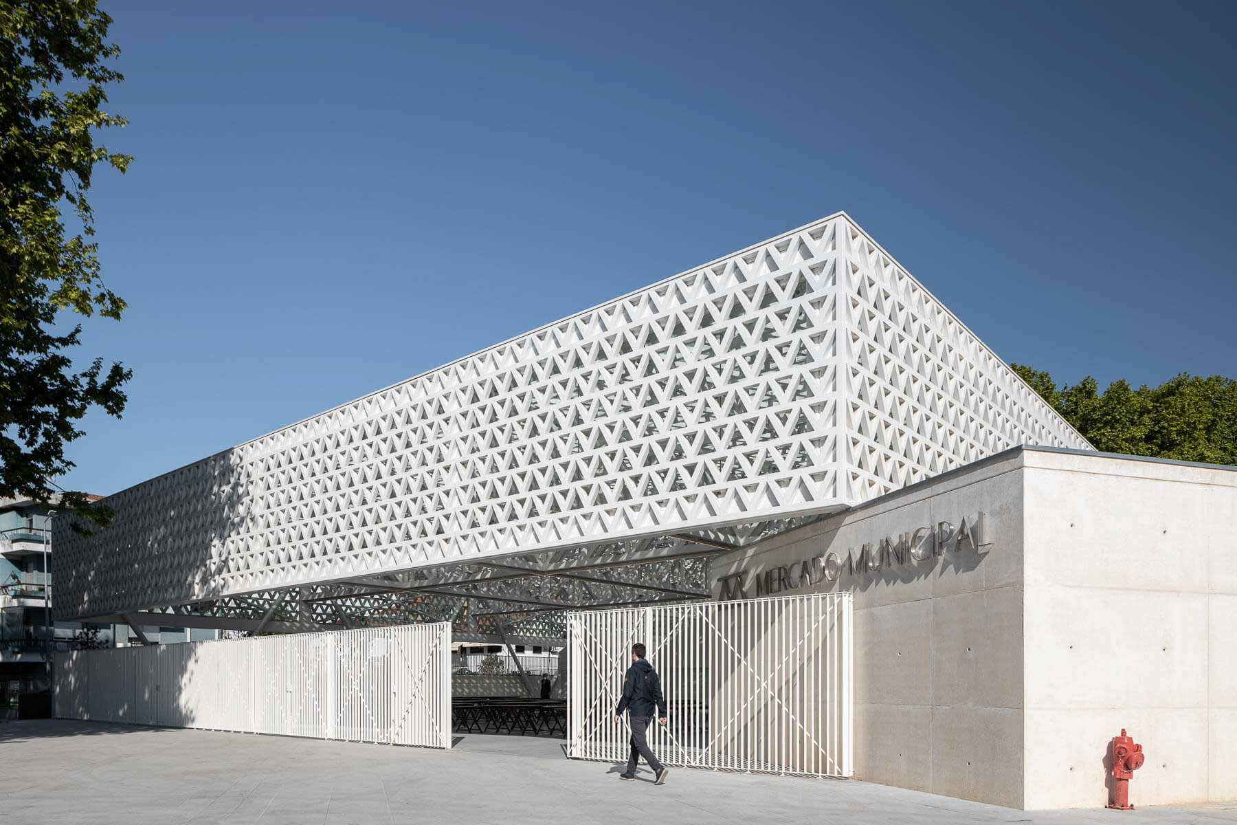 Проект восстановления муниципального рынка Вила-Нова-де-Фамаликан / Rui Mendes Ribeiro + Unidade de Projeto Urbano do Município de Vila Nova de Famalicao