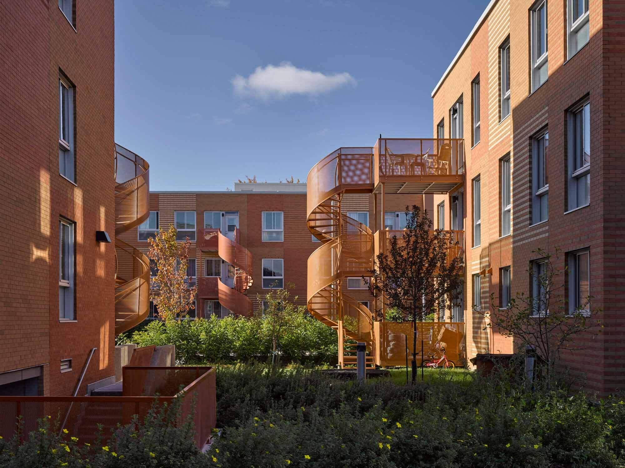 Жилые дома Saint-Michel Nord / Saia Barbarese Toupouzanov Architectes