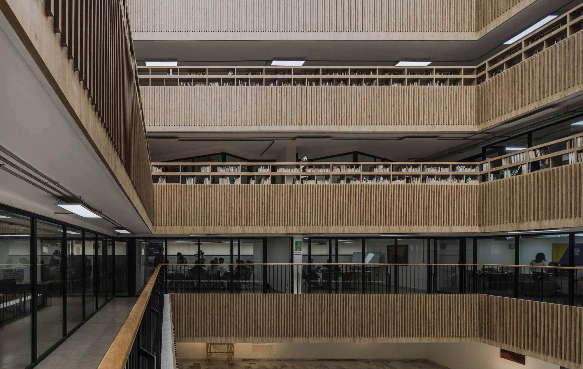 Модернизация библиотеки Габриэля Турбая / CONTRAPUNTO Taller de Arquitectura