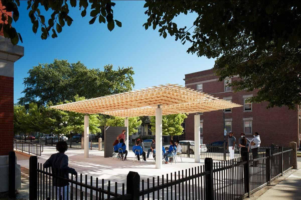 Компания SOM изучает будущие методы строительства из древесины на Чикагской биеннале 2021 года