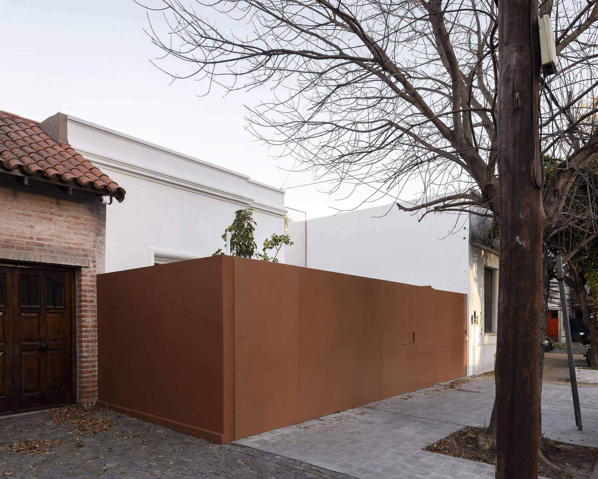 MOO House / Агустин Агирре + FRAM arquitectos