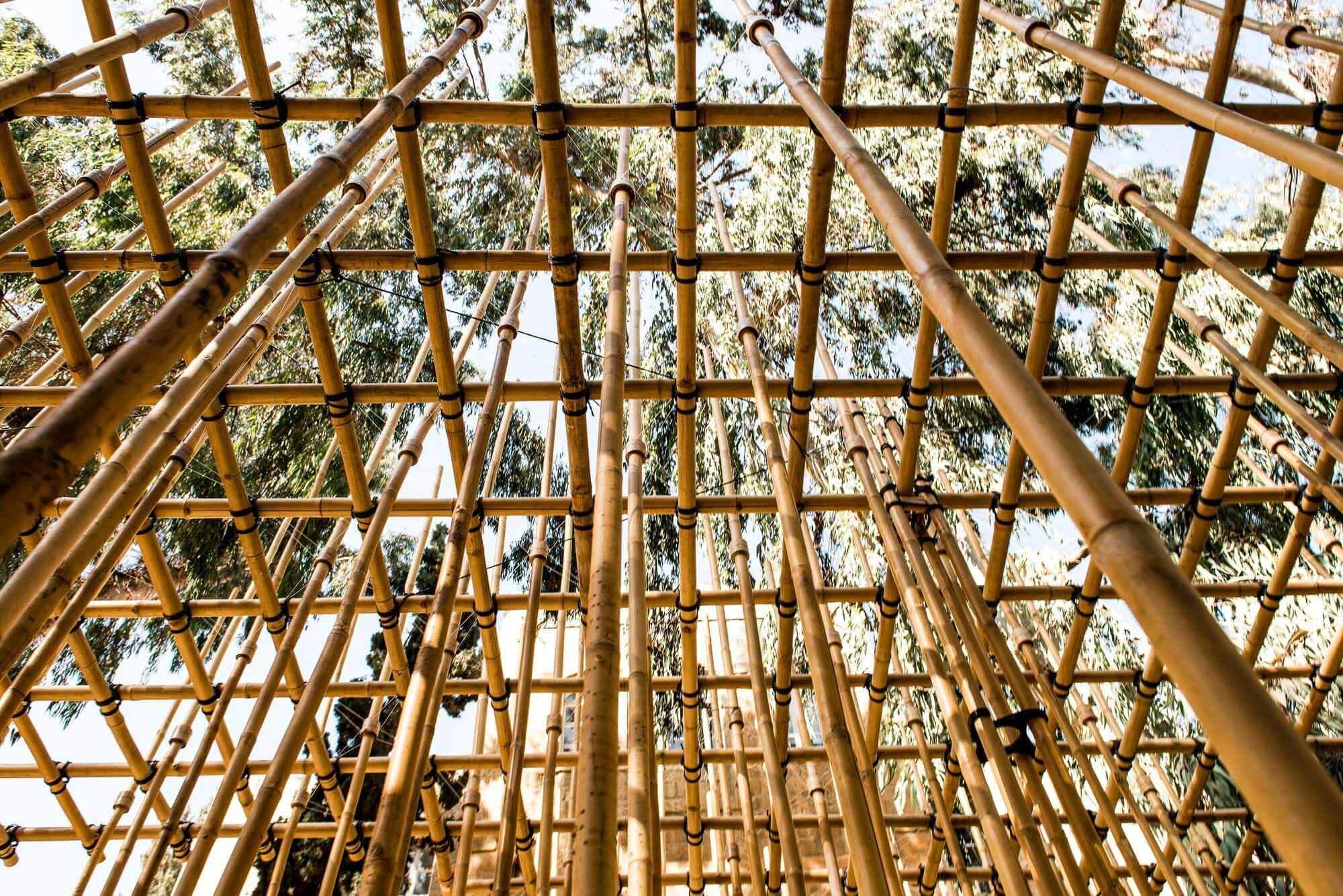 Гибридная архитектура: сочетание цифрового дизайна и народных промыслов