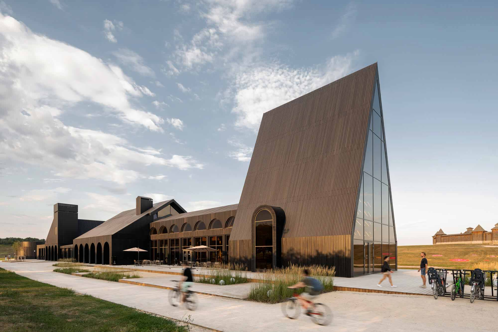 Центр гостеприимства / Архитектурное бюро Wowhaus