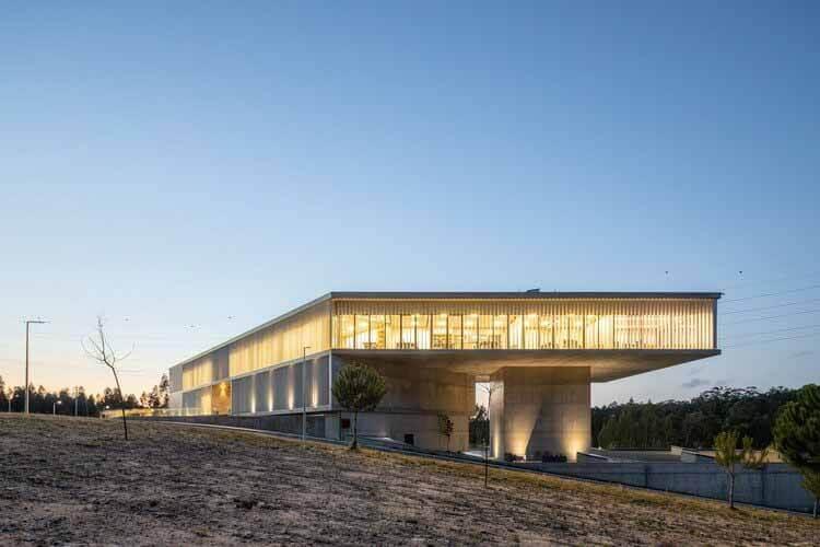 Бизнес-центр AOC / mube arquitectura, © Александр Богородский