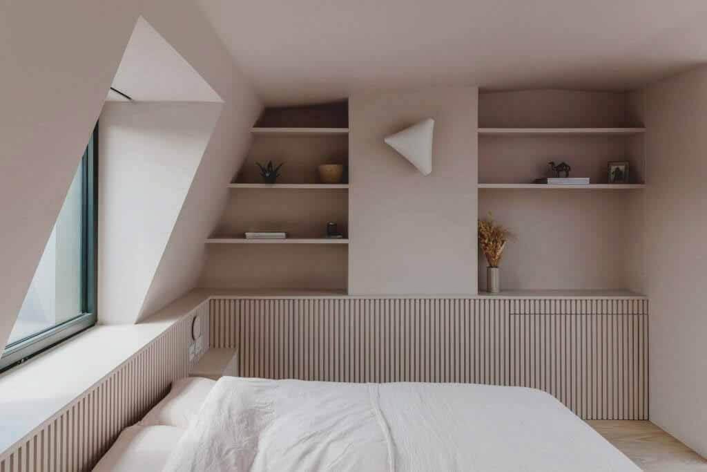 Emil Eve Architects использует цветовую блокировку в пристройке лофта