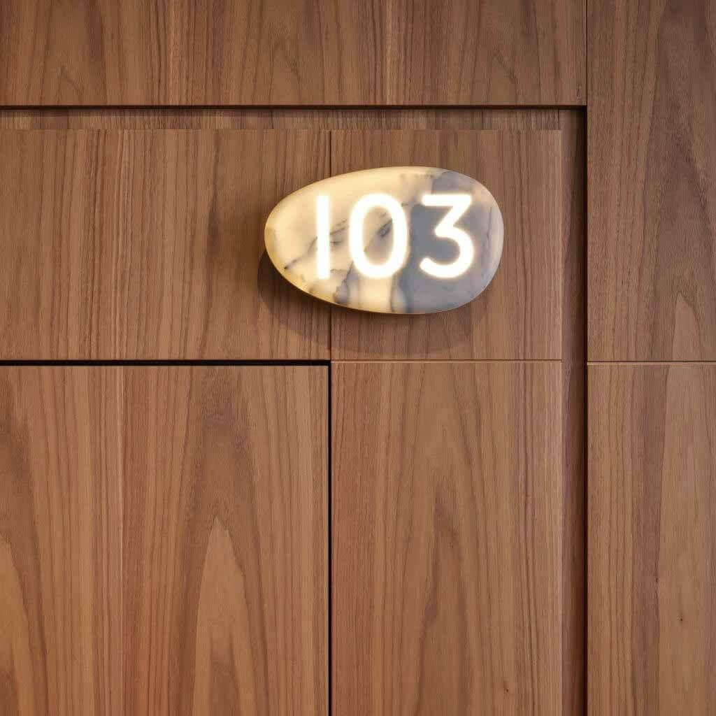 Филипп Старк и Lualdi создают интеллектуальную дверную систему для отелей