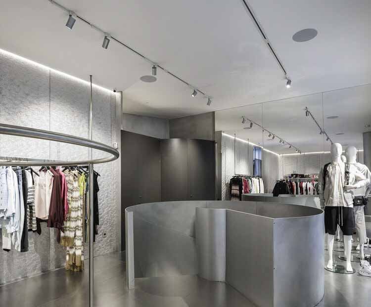 Магазин MKR в Севилье / Гильермо Васкес Консуэгра, © Фернандо Альда