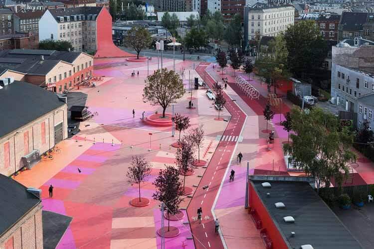 Межсекционный дизайн: переосмысление архитектуры будущего, парк Superkilen.  Изображение © Иван Баан