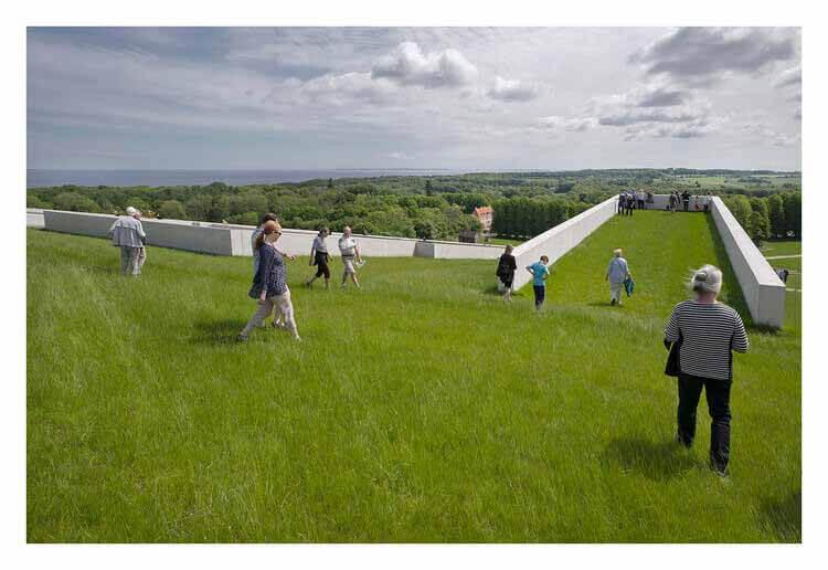 Могут ли зеленые крыши сделать наши города лучше ?, Museu Moesgaard / Henning Larsen Architects.  Изображение © Jens Lindhe