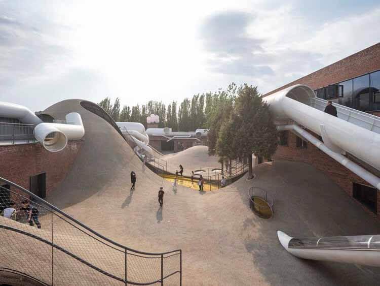 Наши города созданы для молодежи ?, Детский общественный центр The Playscape / waa.  Изображение © Fangfang Tian