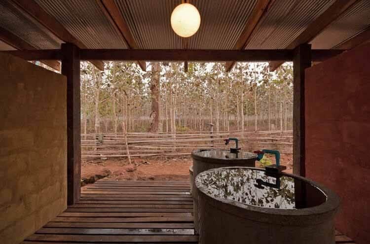 Общественные ванные комнаты: примеры в плане и в разрезе, © Pasi Alto
