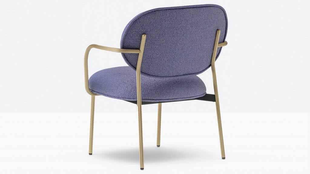 Pedrali представляет кресло Blume от Себастьяна Херкнера на выставке Supersalone