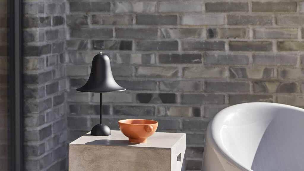 Переносной светильник Pantop от Вернера Пантона для датской компании Verpan