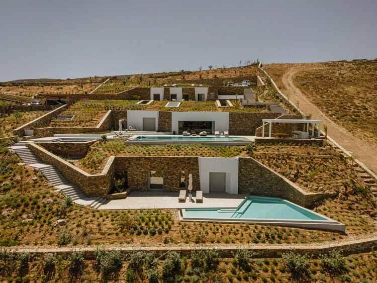 Подземная частная вилла в Антипаросе / Tsolakis Architects, © Джордж Мессаритакис