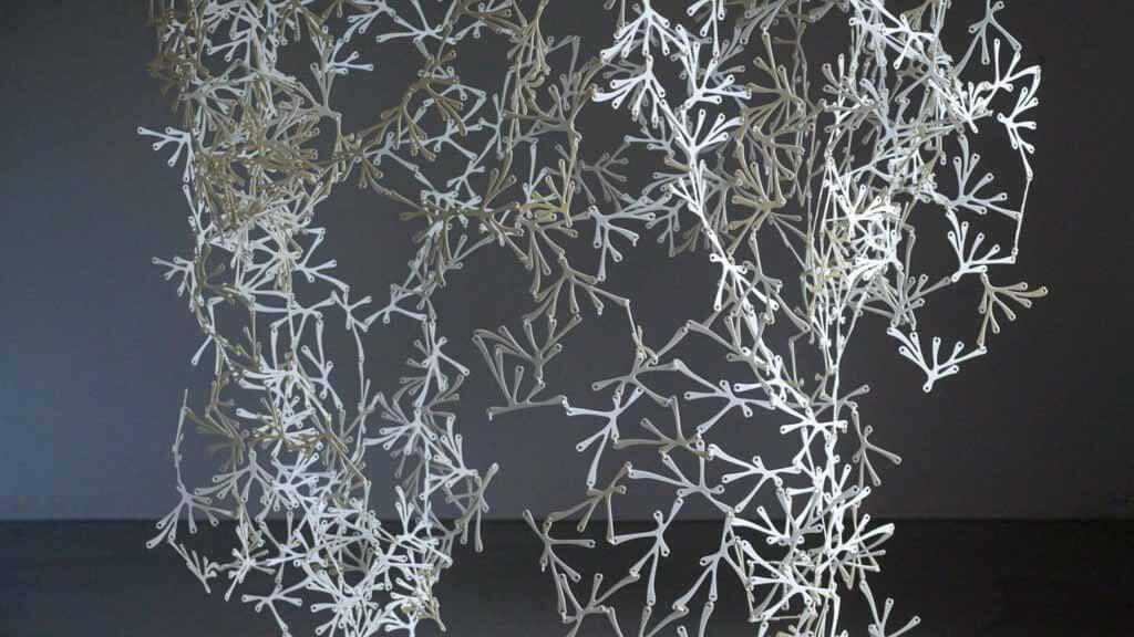 Ремесленные пластмассы и офисная перегородка из биопластика BreaZea ММК