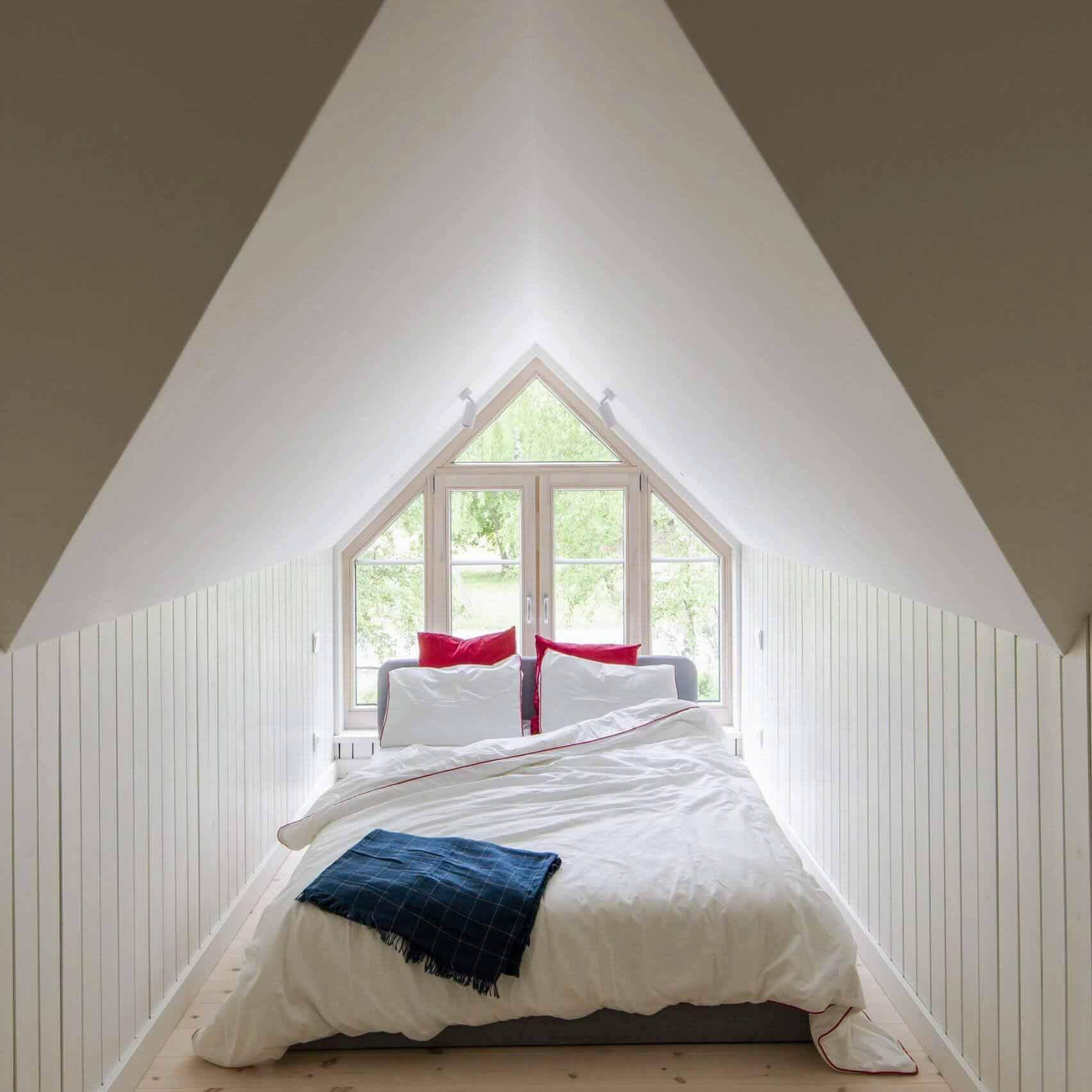 Šilta Šiauré облицовывает жилой дом из обожженной древесины