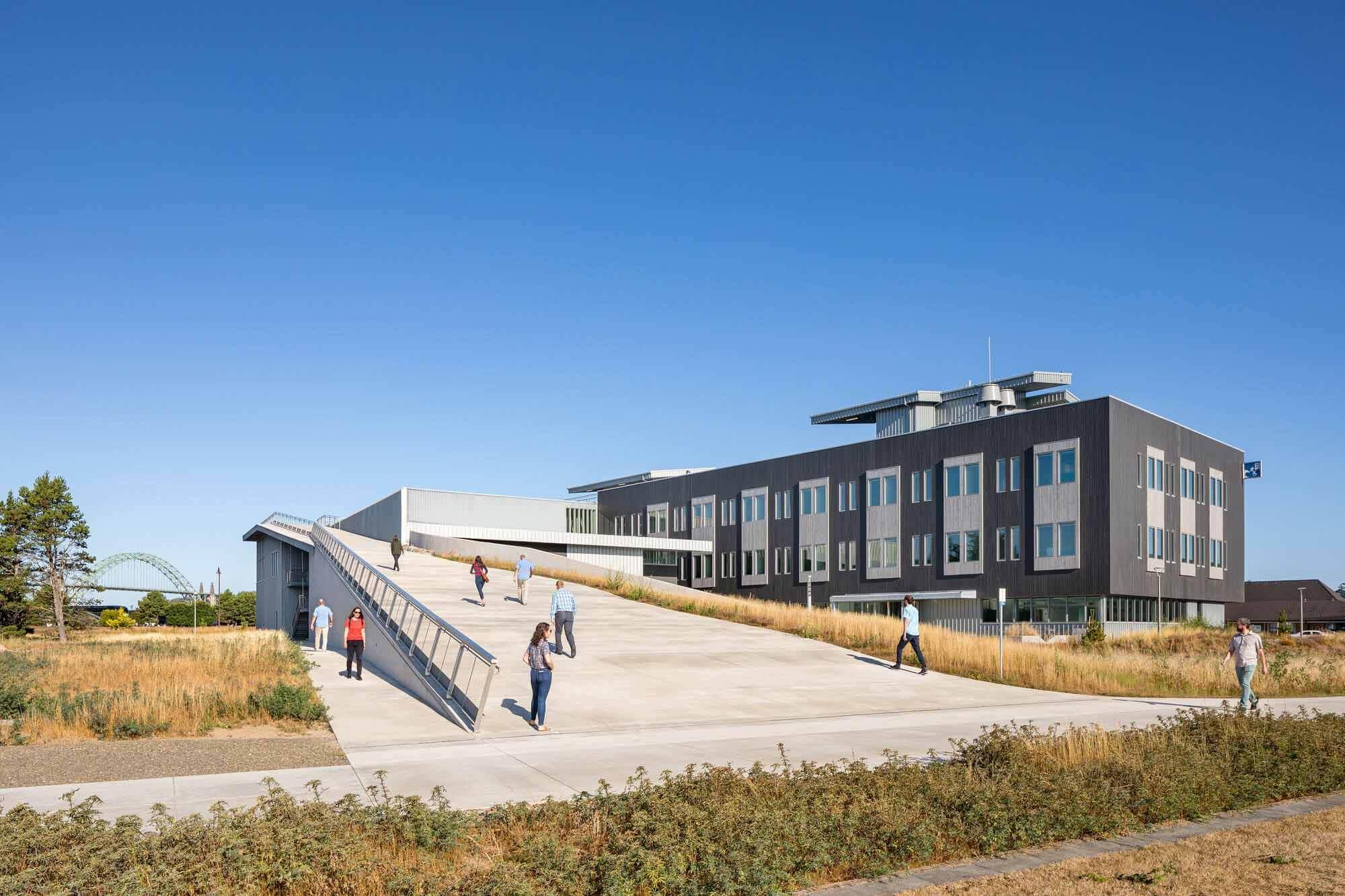 Здание морских исследований Глэдис-Вэлли / Архитектура зала Йост-Грубе