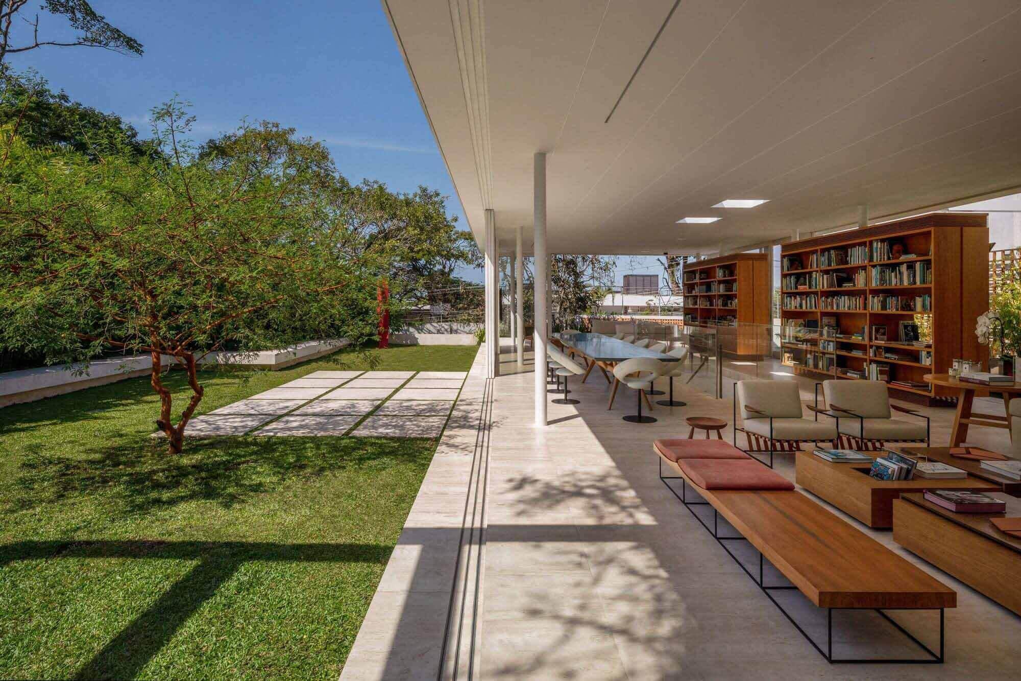 Дополнительный Дом Книги / Siqueira + Azul Arquitetura
