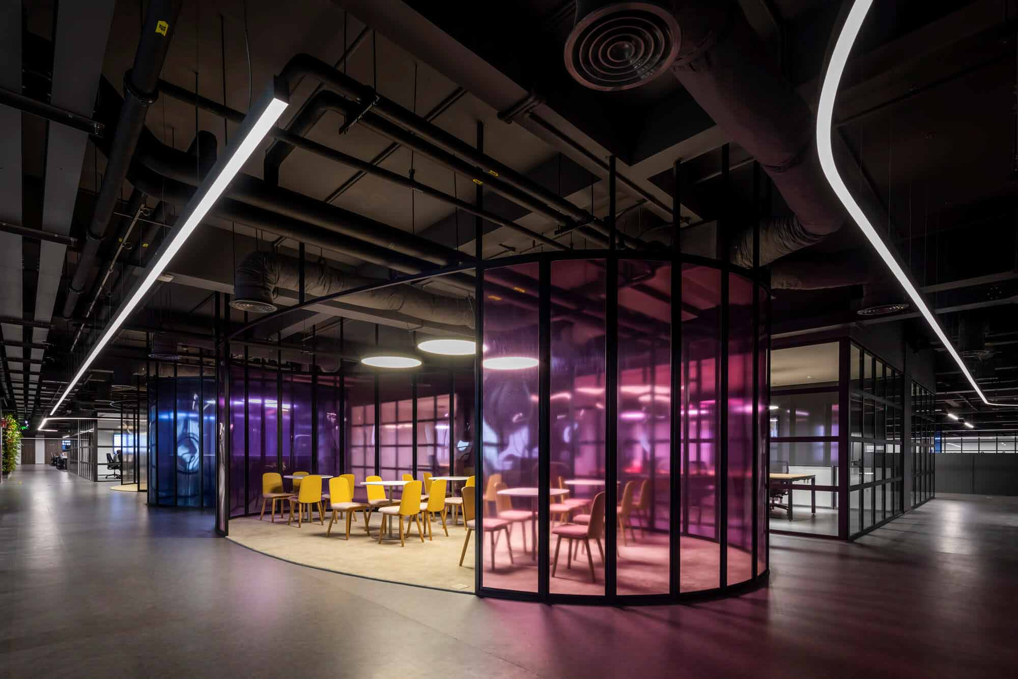 Офис Crystal Martin во Вьетнаме / D&P Associates, Вьетнам